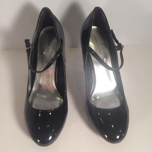Massini Womens Sz 9 Black Classic Patent Leather